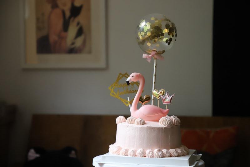 tort z ozdobami
